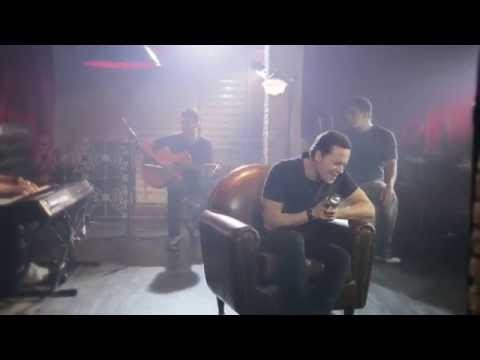 André Valadão - Rendido Estou (Clipe Oficial) - Arms Open Wide