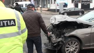 A scos numerele de înmatriculare după accident