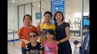 Đi Chơi Sân Bay Quốc Tế Nội Bài Xem Máy Bay Boeing Vietnam Airlines Đón Bà Trẻ MN Toys