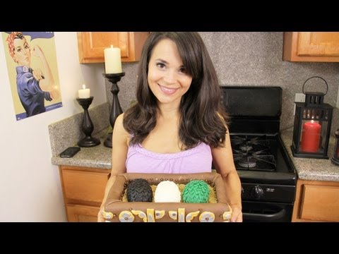 GAME OF THRONES CAKE - NERDY NUMMIES
