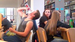 A pior coisa que pode acontecer em uma biblioteca