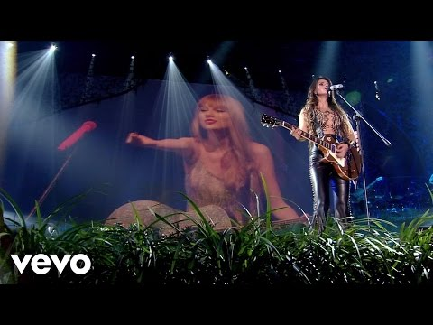 Paula Fernandes, Taylor Swift - Long Live