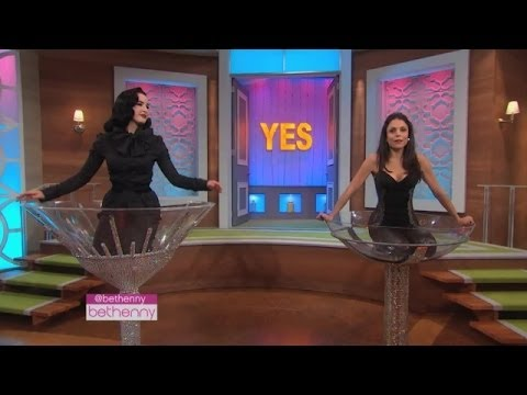 Dita Von Teese Teaches Bethenny How to Seduce a Guy... in a Cocktail Glass!