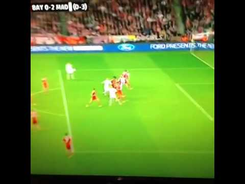Sergio Ramos' 2nd header! Real Madrid 2 0 v Bayern Munich.. الثانى لراموس امام البايرن 29/4/2014