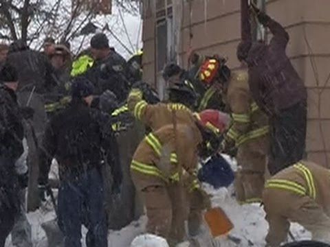 Three rescued after avalanche buries Montana home in snow