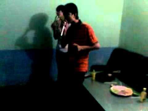 boy tu suong trong phong karaoke tai thu duc.mp4