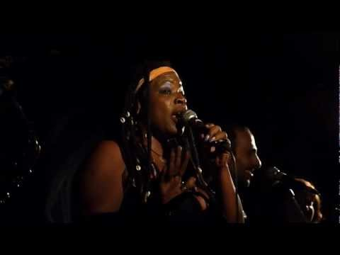 Tanya Michelle | Playing games with my heart (Satellit Café - Paris - May 26th 2012)