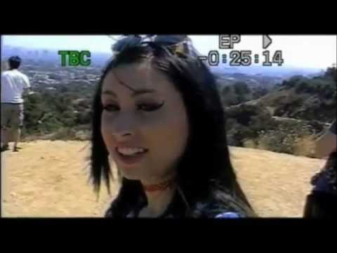 Kreayshawn - Summertime feat. V-Nasty - (Official Video & Lyrics)