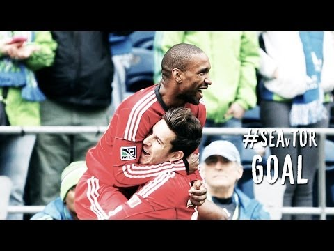 GOAL:  Defoe picks off the loose ball and skips in his second | Seattle Sounders vs. Toronto FC