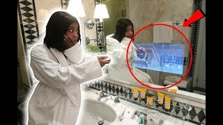 INSANE ITALY ROOM TOUR (THERE'S A TV IN THE MIRROR!!)