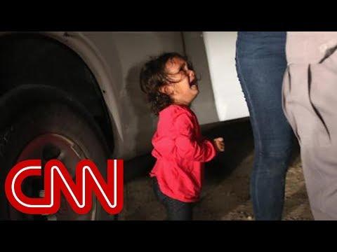 边境哭泣女童照撼人心 父:她跟妈妈没被拆散(视)