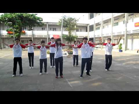Dân vũ WAKA WAKA + CHOCOLATE 12/2 (12-13) - THPT NDC