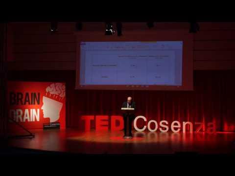 Una fuga ma soprattutto un ritorno | Fausto Perri | TEDxCosenza