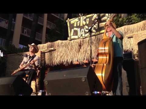 Acapulco Radio. Tiki Oasis 2013