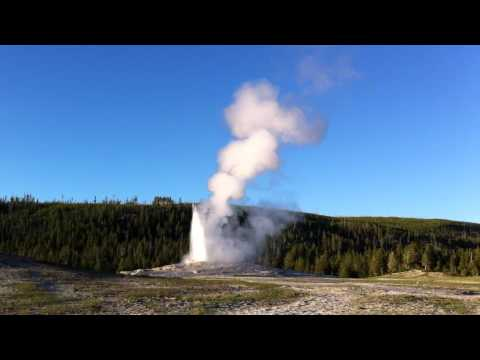 Old Faithful Geyser, Yellowstone, WY
