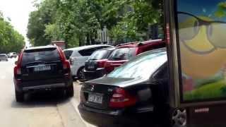 Au abandonat mașina poliției în mijlocul fărădelegilor