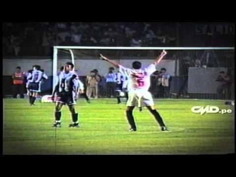 Roberto Martinez en clásicos: Marcado por una jugada