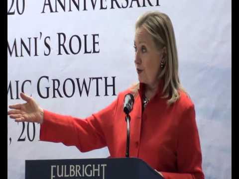 Ngoại trưởng Hoa Kỳ Hillary Clinton thăm Đại học Ngoại thương (10/7/2012)
