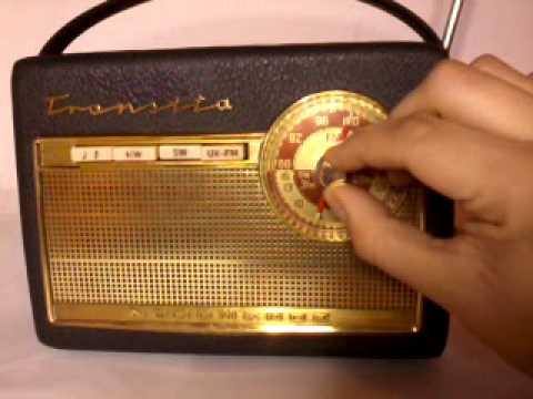 Antigua radio transistorizada Nordmende transita (1961)