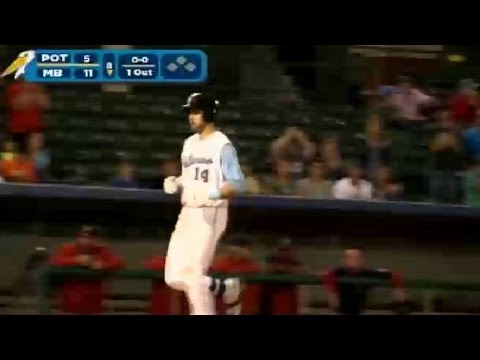 Joey Gallo homers for the third time of the game