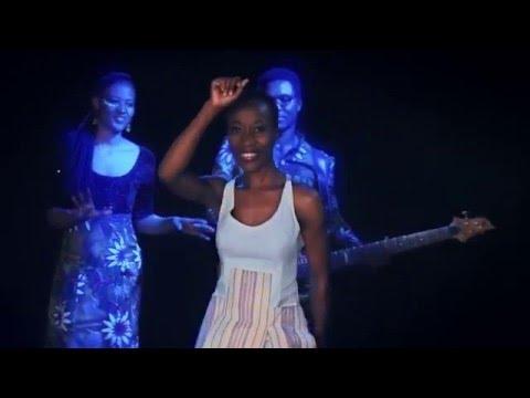 Rokia Traoré - Ilé [Clip Officiel/Official Video]