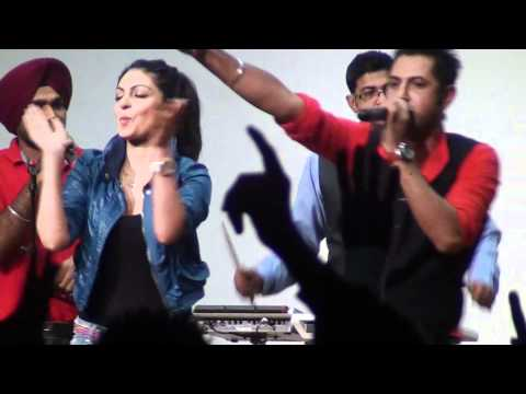gippy grewal and neeru bajwa live in sydney 2011 HD