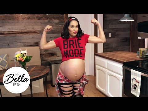 Brie Bella is ready to POP and so are her tights! (Hilarious pregnancy entrance!)