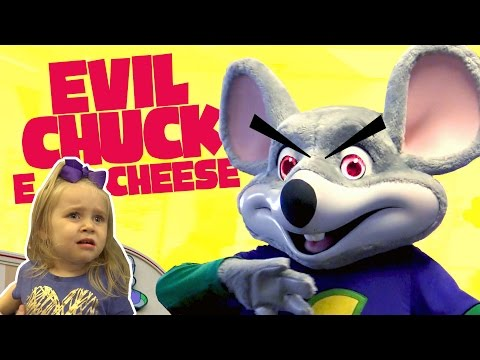 Kids meet Evil Chuck E Cheese!! Playing Arcade Games & Family Fun | KIDCITY