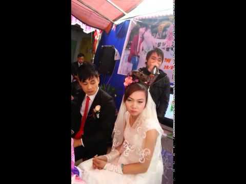 Hát tặng người yêu cũ trong đám cưới. cô dâu tỏ vẻ khó chịu
