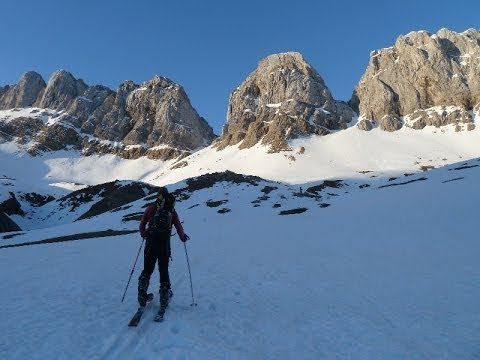 Ascensión y descenso con esquís del Rincón de Alano