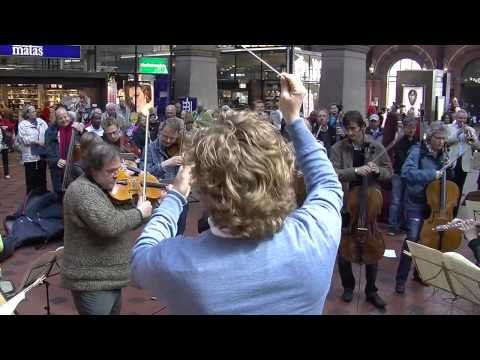 Flash mob à la gare de Copenhage: Le Boléro de Ravel