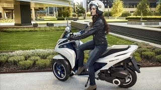 YAMAHA Tricity 2014 Three-wheeled Scooter On The Road