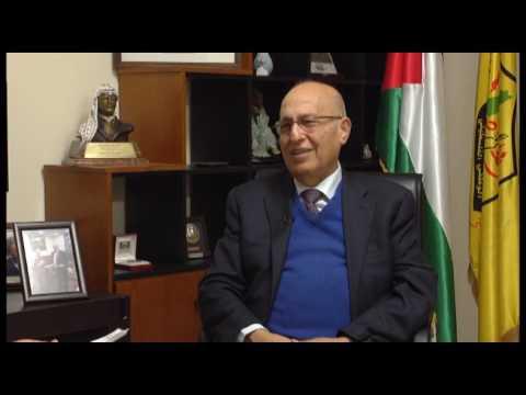 الجزء التاني من حكاية صورة مع الدكتور نبيل شعث  مفوض العلاقات الدولية  بحركة فتح