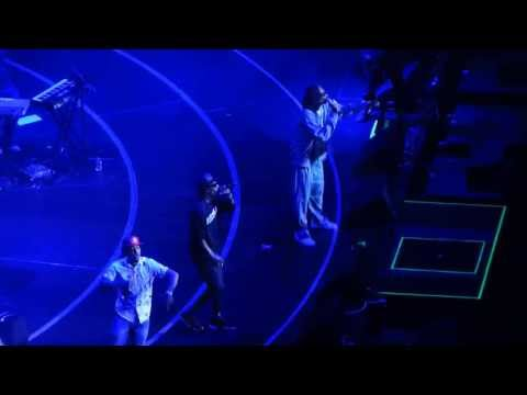 Snoop dogg and wiz khalifa blazing it up on stage in los angeles staples center djblazeone323