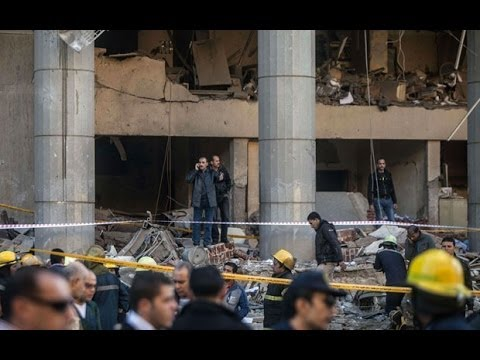 Egypt: footage shows aftermath of car bomb in Cairo