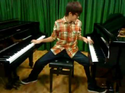 彈兩台鋼琴的下場就是....周杰倫你騙人了!!!