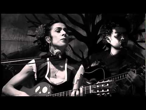 Marisa Monte / Tribalistas  - Velha Infância (ao Vivo)