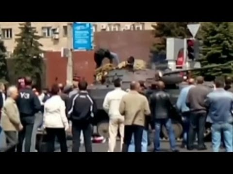 Deadly clashes in Mariupol, Ukraine