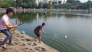 Lớ ngớ câu được hai con cá trắm khủng cùng lúc | Grass carp fishing