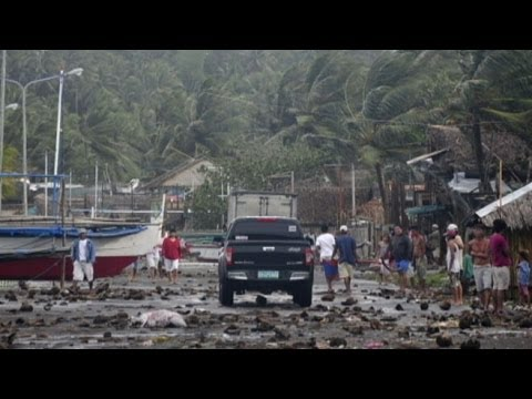 Super Typhoon Haiyan Hits in the Philippines, Heads Towards Vietnam