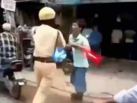 Cảnh sát giao thông đánh nhau với cơ động