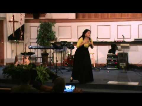 la alabanza como una arma profetica Pastora Ninoska Ponce.wmv