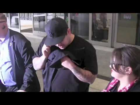 Kim Kardashian Brother Rob Kardashian Crying When Asked Why He Left The Wedding