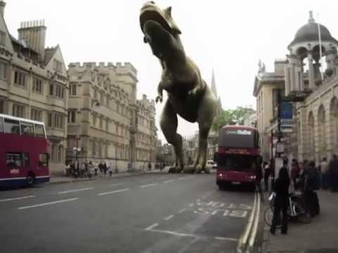 khủng long bạo chúa ngay trong thành phố
