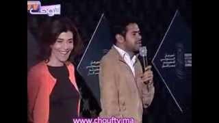 الدبوز يرقص بجامع الفنا و يحيي جمهور المهرجان على طريقته   |   خارج البلاطو