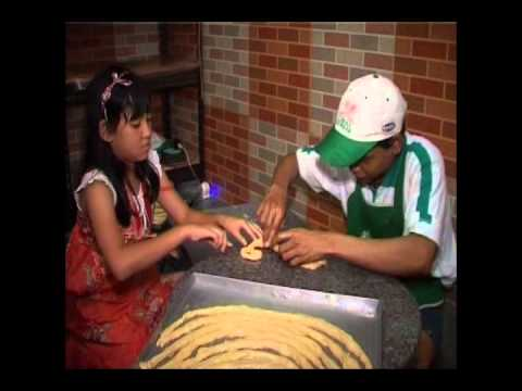 Gadrie Food - Roti Maryam - Laptop Si Unyil - Trans 7.wmv - YouTube