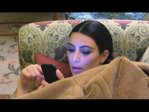 KUWTK Preview: Kim Kardashian Texts As Kris Is Robbed