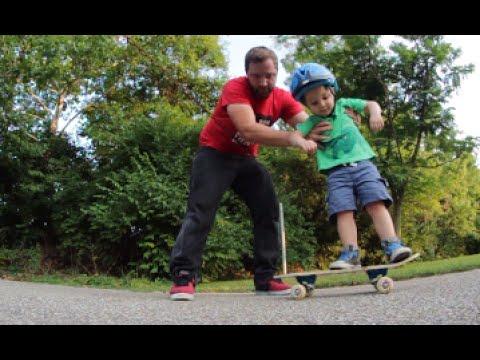 Dad Teaches Toddler Skateboarding!