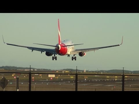 Qantas Airlines B737-800 I landing on 16R Sydney Airport HD