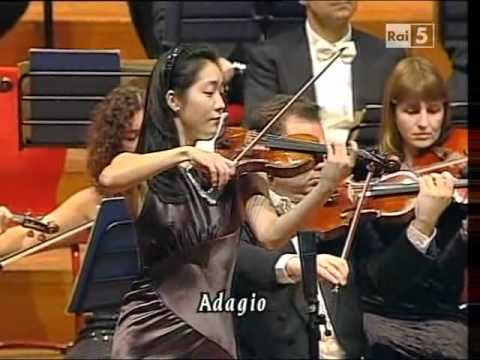 Max Bruch: Violin Concerto n. 1 op. 26 - Akiko Suwanai ( )